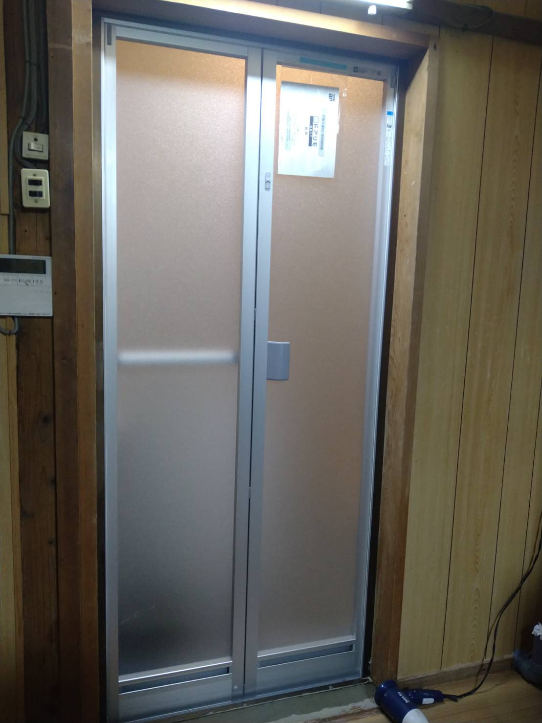 浴室折れ戸取替え後